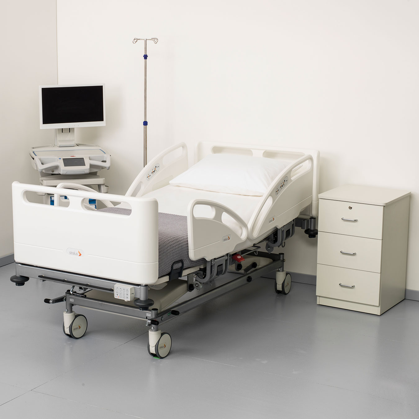 STRWARDC230-Stralus-C230-Acute-Care-Bed-Image-File-3_v1
